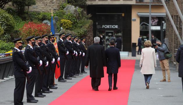 Vives i Espot, durant l'acte protocol·lari de rebuda dels caps d'Estat i de govern.