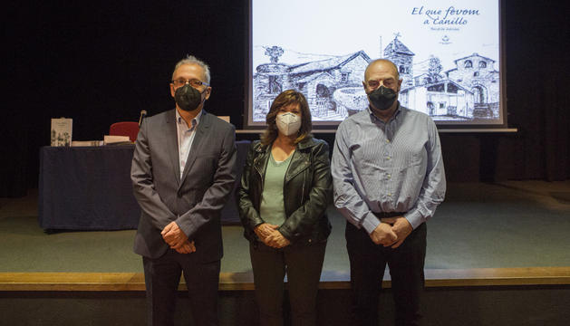 Francesc Camp, Núria Boltà i Josep Mandicó, en la presentació d'aquest vespre.