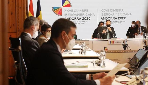 El cap de Govern, Xavier Espot, i el president del govern espanyol, Pedro Sánchez, en una de les reunions celebrades en el marc de la Cimera Iberoamericana.