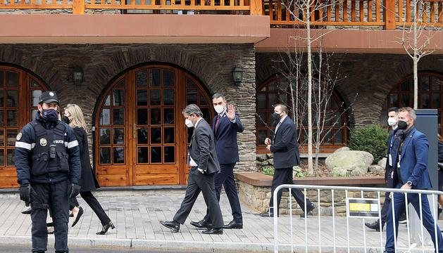 Pedro Sánchez entrant a l'hotel que va acollir la Cimera.