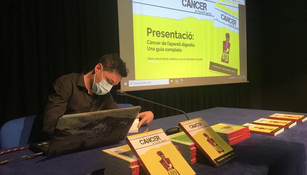 L'autor va patir un càncer en ple context de pandèmia mundial