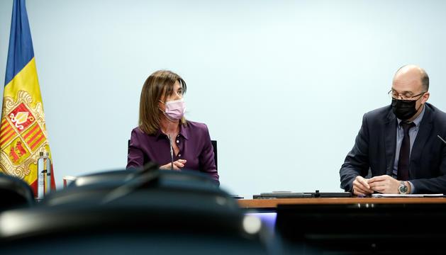 La ministra d'Educació, Ester Vilarrubla, i el director de Formació Professional, Xavier Campuzano.