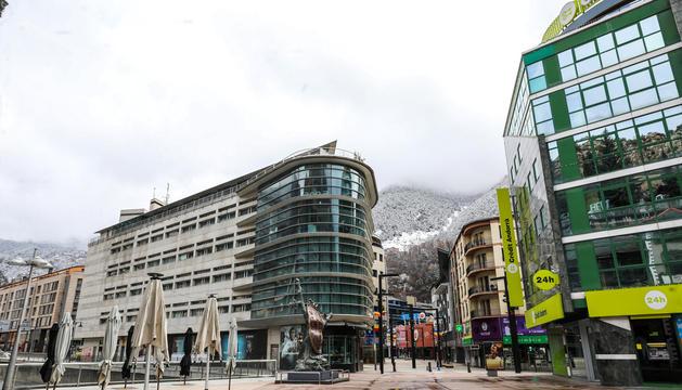La plaça de la rotonda d'Andorra la Vella.