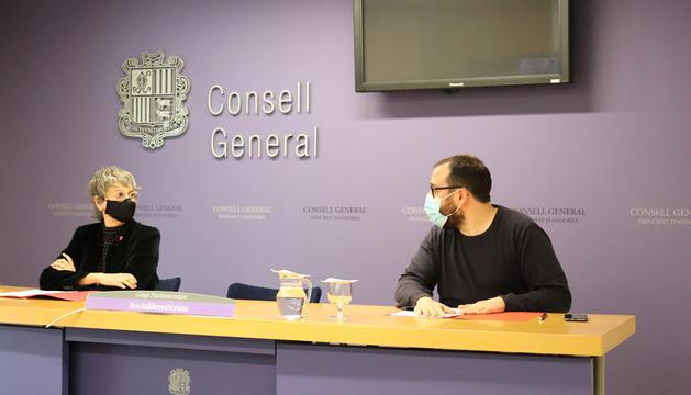 Els consellers socialdemòcrates Susanna Vela i Carles Sánchez.