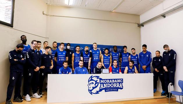 La plantilla i el cos tècnic del MoraBanc Andorra van emetre un comunicat conjunt demanant encabir millor els partits ajornats.