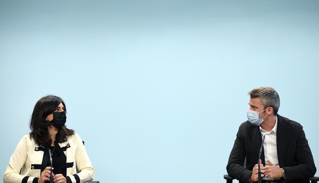 La secretària d'estat, Teresa Milà, i el director del departament, Jordi Oliver.