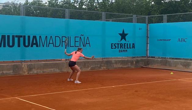 Vicky Jiménez, entrenant ahir a Madrid, debuta avui.