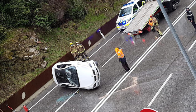 Detingut per conduir ebri després d'accidentar-se