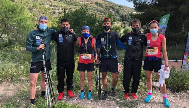 Els cinc corredors i el tècnic de la FAM desplaçats a Andalusia.