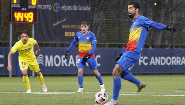 Carlos Martínez llençant el penal del 3-1
