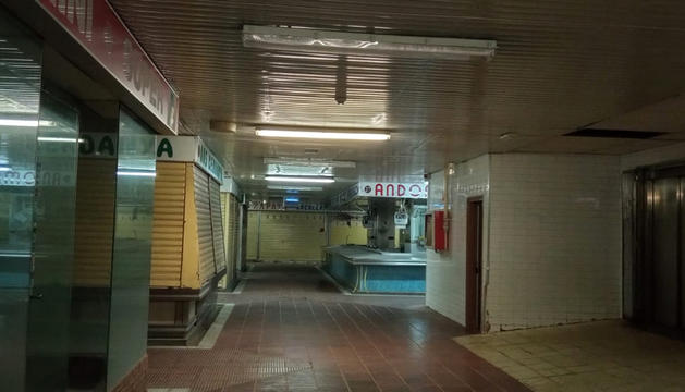 El mercat dels Marginets només té una parada oberta.
