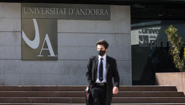 Hora de sortida dels estudiant de la Universitat d'Andorra