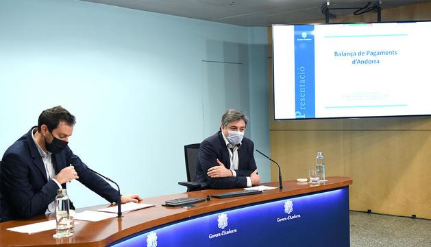 Galabert i Soler durant la roda de premsa per presentar la balança de pagaments