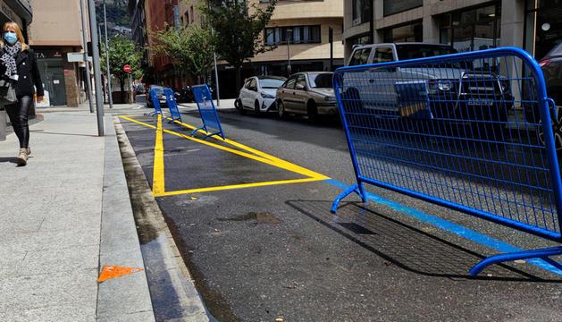 L'espai del carrer de l'Aigüeta que deixa de ser zona blava per passar a càrrega i descàrrega.