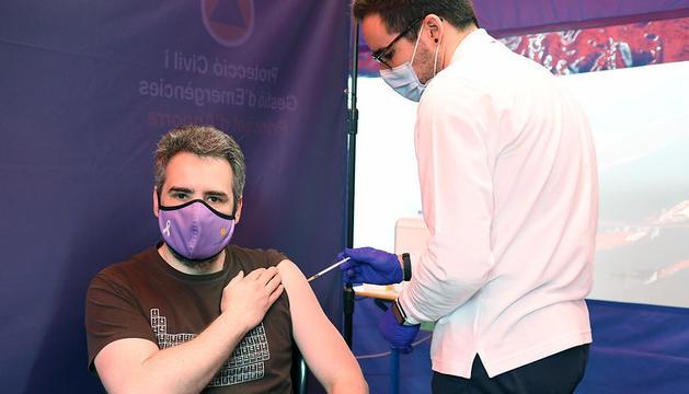 Vacunació del Ministre de Finances i Portaveu