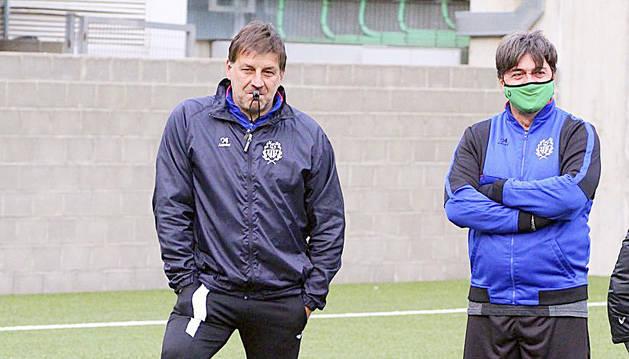 Fernando Ochoaizpur, a l'esquerra, en un entrenament.