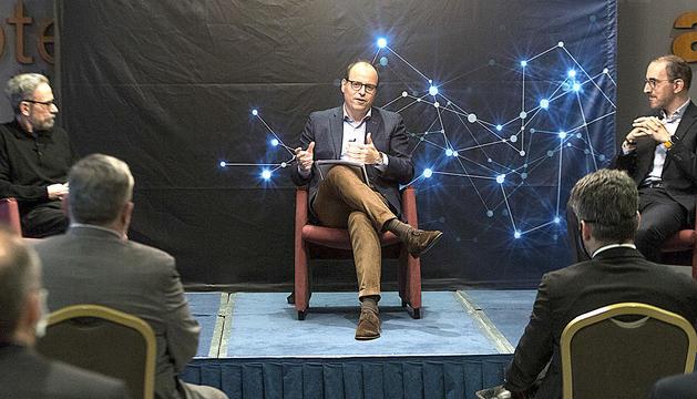 David Cabero durant la conferència d'ahir a l'Art Hotel.