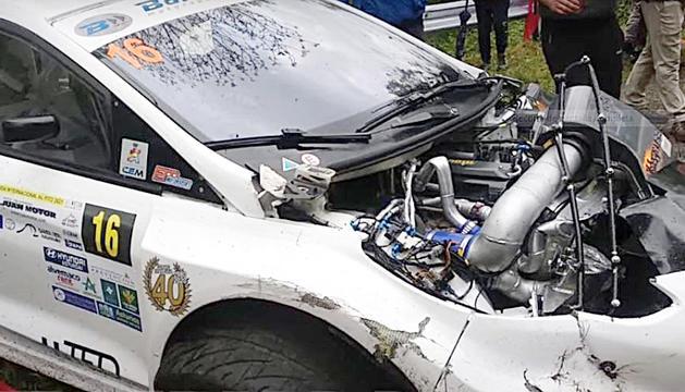 El Ford Fiesta de Gerard de la Casa va acabar amb molts desperfectes.