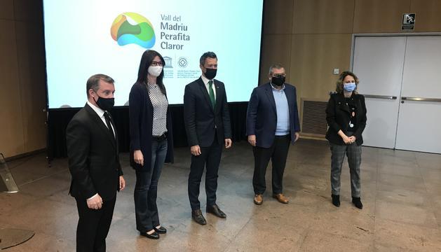 Josep Majoral, Susanna Simon, David Astrié, Jean-Michel Rascagneres i Rosa Gili, a la presentació d'aquest migdia