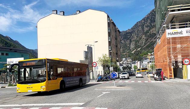 Modificació en la circulació per a camions i busos
