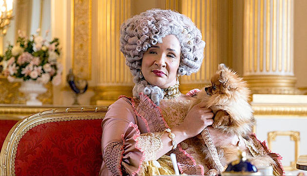 Golda Rosheuvel en el paper de la reina Charlotte a 'Los Bridgerton'.