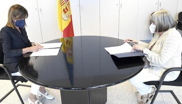 Vilarrubla i Mach van signar ahir el nou conveni.