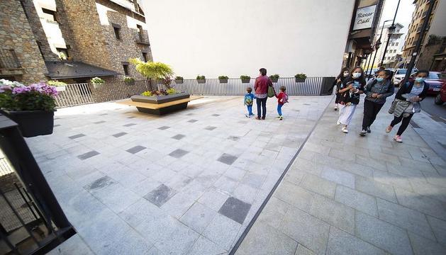Nova plaça i parc infantil a l'avinguda Príncep Benlloch