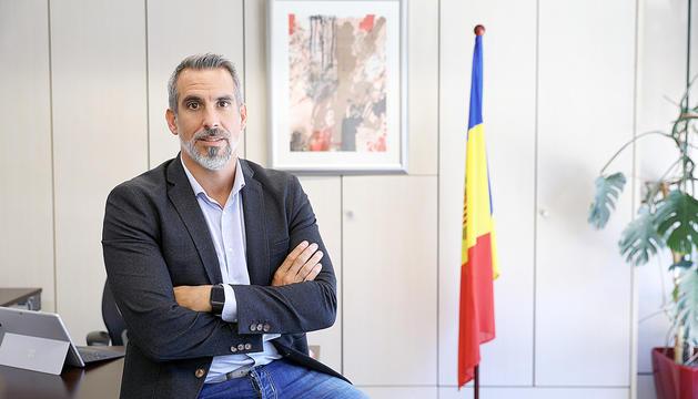 César Marquina.