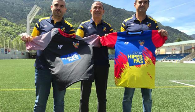 Gerard Giménez, president del VPC, Thierry Lacroix i David Ferré, president de la comissió del club, ahir a la presentació.