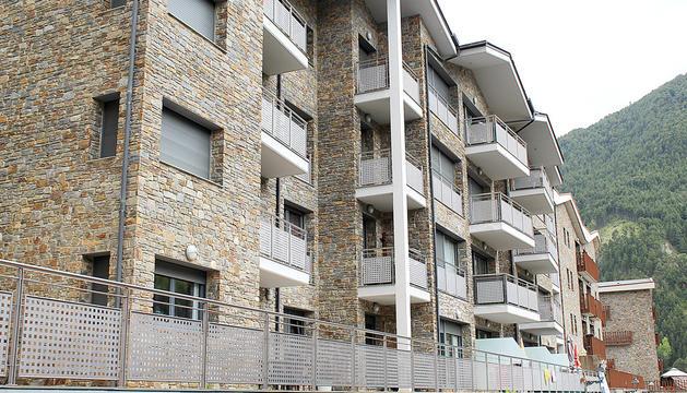 Els primers blocs del conjunt residencial Hort Pla de Canillo.