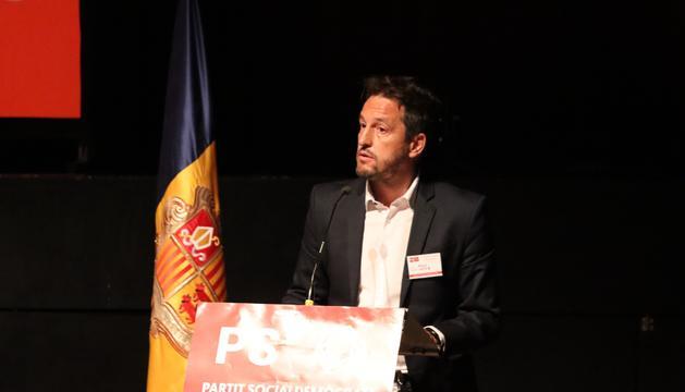 Pere López presentant la seva candidatura durant el 18è congrés del PS.