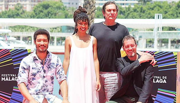 Casamajor, amb Villaronga i els coprotagonistes del film.