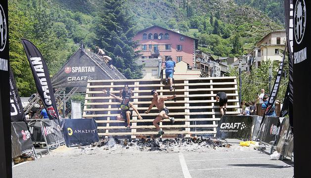 El cap de setmana de l'Spartan Race, gaudit per tothom, va transformar l'aparcament de Sant Miquel en una festa.