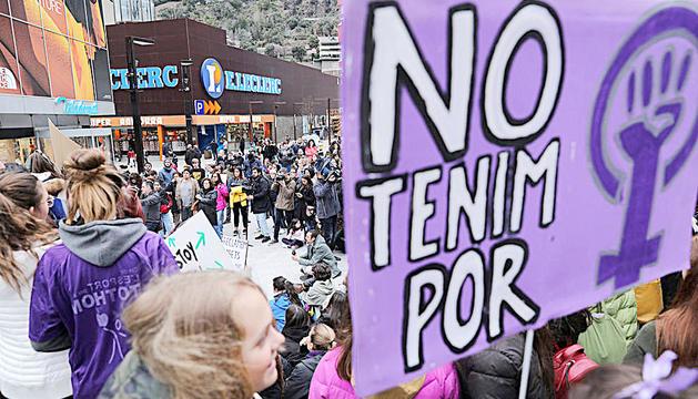 Una concentració contra la violència de gènere a Andorra la Vella.