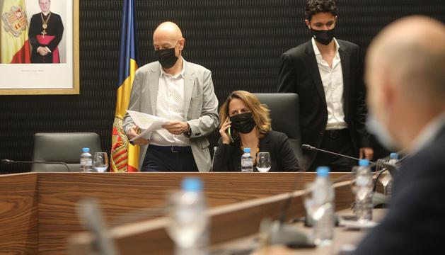 Els cònsols durant la sessió de consell de comú d'ahir.