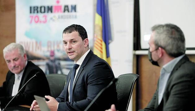 El ministre Jordi Gallardo durant la compareixença.