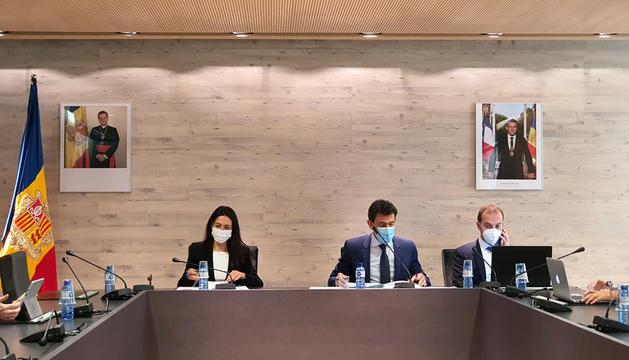 Mortés i Choy durant la sessió de consell de comú d'ahir.