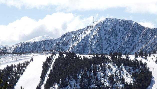 El pic de Carroi, nevat.