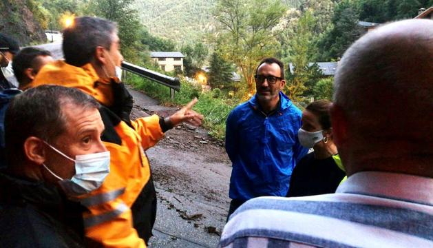El ministre  Víctor Filloy i el secretari d'Estat d'Interior, Joan León coordinen les actuacions a la zona