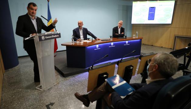 Cèsar Marquina, Joan Martínez Benazet i Josep Maria Piqué a la presentació de l'aplicació.