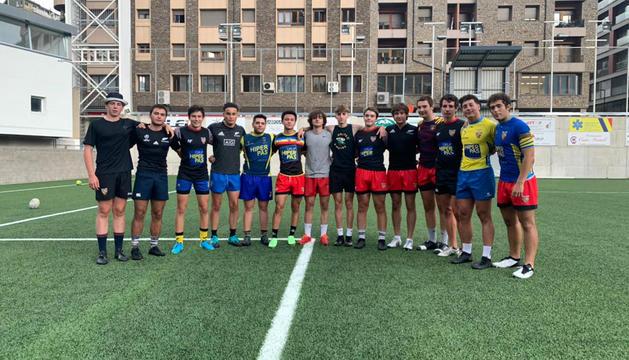 La selecció andorrana sub-18 vol competir al màxim a l'Europe Sevens Trophy, que comença demà a Riga.
