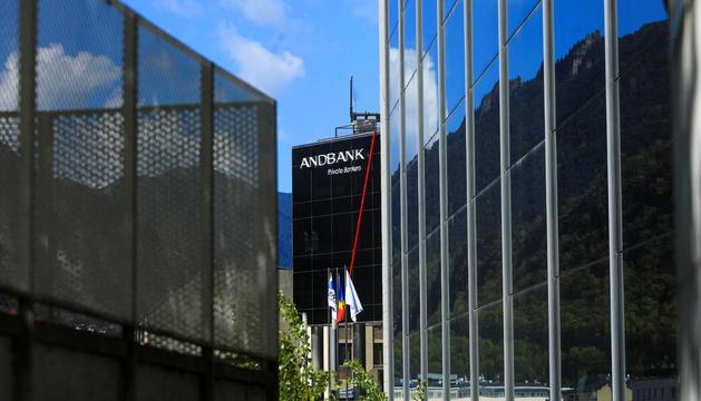 Façana de la seu central d'Andbank.