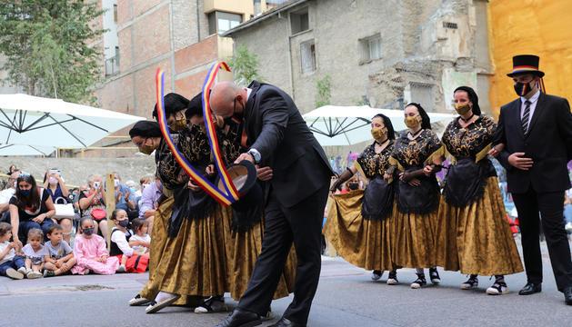 Representació del Ball de la Marratxa, ahir a la plaça major.