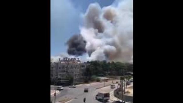 Avions lluitant contra incendis forestals