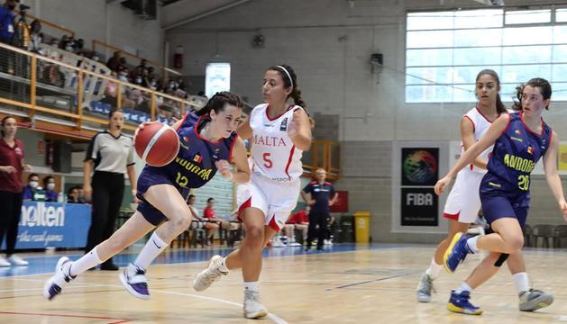 La selecció andorrana va encaixar ahir la tercera derrota.