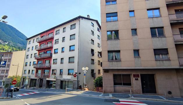 Dos dels edificis afectats per la modificació.