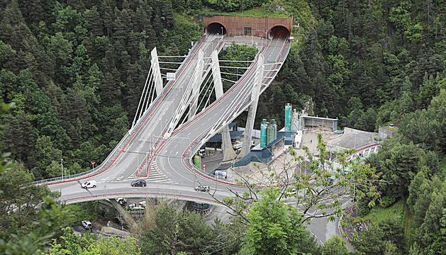 El túnel de les Dos Valires estarà afectat pel tancament avui dilluns a la nit.