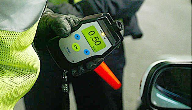 Un control d'alcoholèmia de la policia.