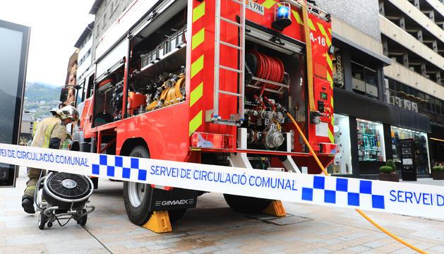Els bombers han hagut d'actuar a l'avinguda Carlemany