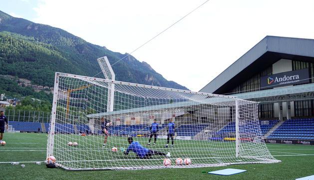 Entrenament de l'FC Andorra a l'Estadi Nacional.